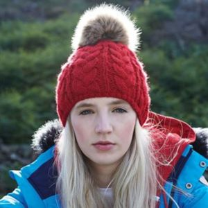 Fur pop pom cable beanie Thumbnail